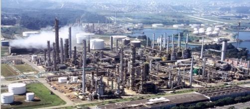 Petrobras garante que obras do Comperj acontecerão esse ano