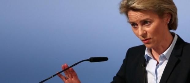 Die Inhaberin der Befehls- und Kommandogewalt in der BRD: Ursula von der Leyen. (Fotoverantw./URG Suisse: Blasting.News Archiv)