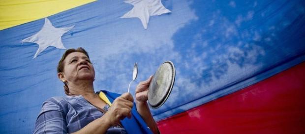 Crise na Venezuela deixa país em situação de pobreza