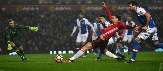 Ibrahimovic salvou o Manchester United do Replay.