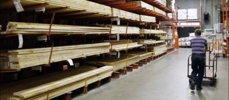 Home Depot 3Q results edge up behind improving housing market ... - dailyreporter.com