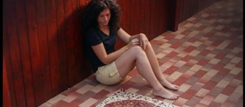 Ela demorou nove meses para coletar seu sangue menstrual e terminar a sua obra de arte