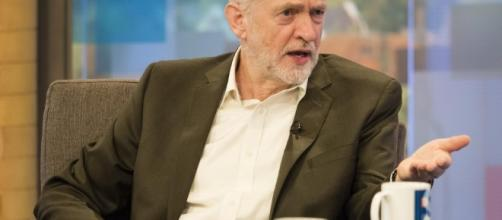 Jeremy Corbyn threatens Shadow cabinet rebels with sack if they ... - thesun.co.uk