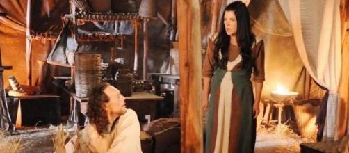 Racal e Mara em 'A Terra Prometida' (Divulgação/Record)