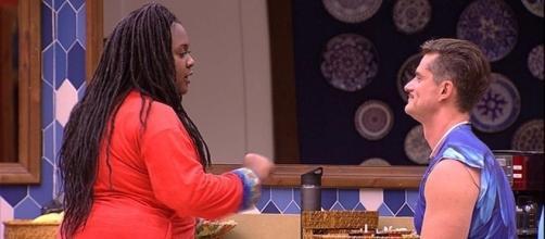 Roberta briga com Marcos (Foto: reprodução TV Globo)