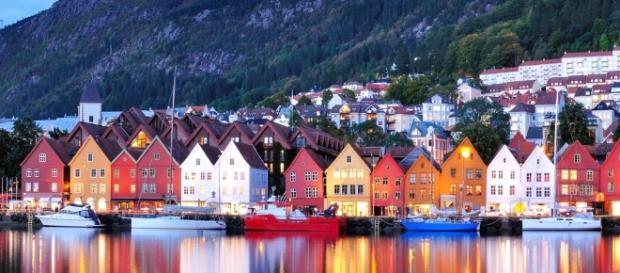 Crociere 2017 nei Fiordi Norvegesi, ecco le offerte viaggio di ... - costacrociere.it