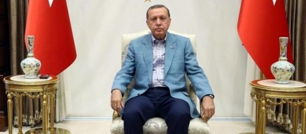 Ist mal wieder beleidigt und stichelt gegen Deutschland: Machthaber Erdogan. (Fotoverantw./URG Suisse: Blasting.News Archiv)