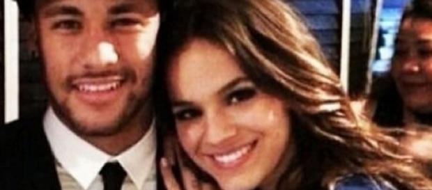 Neymar vai pedir Bruna Marquezine em casamento.