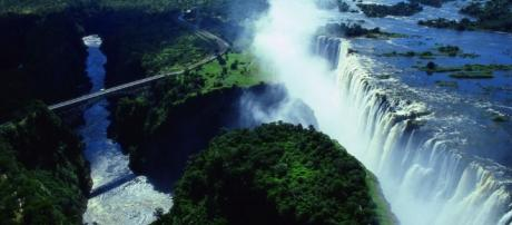 7-wonders-victoria-falls-2.jpg - azaonline.org