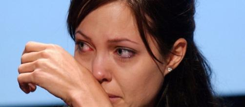 Angelina Jolie's emotional interview on Brad Pitt split. Photo: Blasting News Library - free4kwallpaper.com