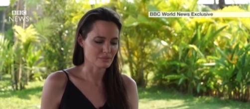 Jolie durante entrevista à BBC