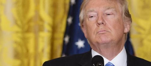 Trump limita i diritti dei transgender scatenando l'ira dei vip
