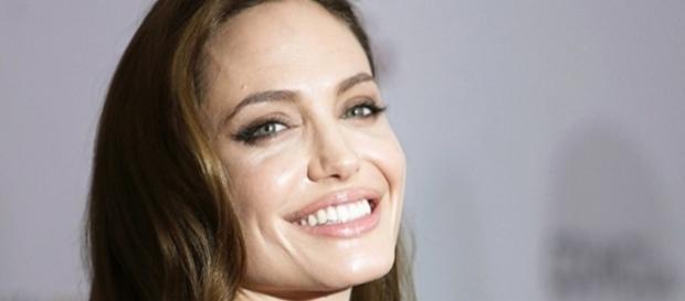 La bellissima attrice Angelina Jolie