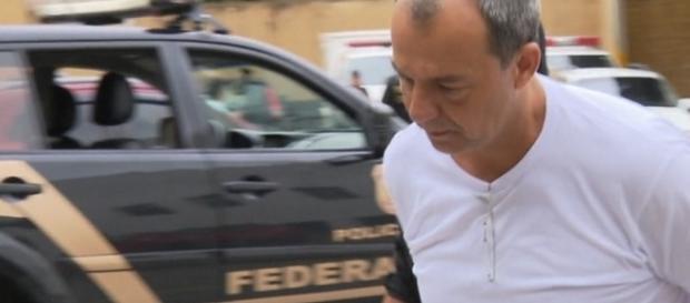 Ministério Público Federal acusa Sergio Cabral de ter cometido lavagem de dinheiro 148 vezes.