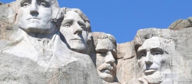 Mount Rushmore : Your Own World USA - yowusa.com