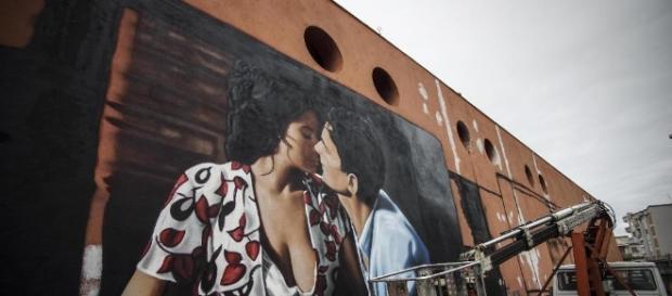 Scena tratta dal film 'Il Postino' e realizzata nel nuovo murales di Jorit Agoch come omaggio a Massimo Troisi.