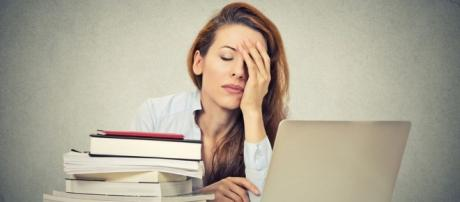 Stressed teachers being 'reduced to tears' - BBC News - bbc.com