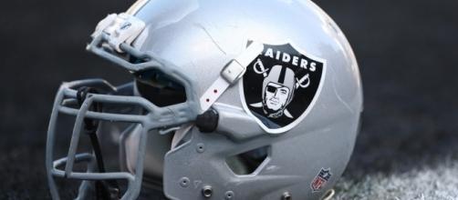 26 Roy Helu Oakland Raiders GAME Jerseys - themodelbakery.com
