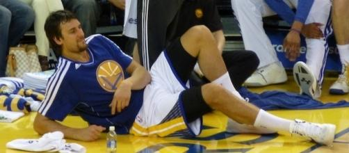 Andrew Bogut with the Golden State Warriors / Photo via Matthew Addie, Flickr