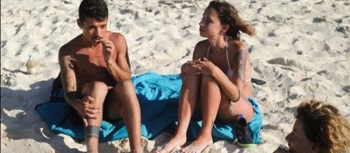 Conversazioni hot all'isola dei famosi