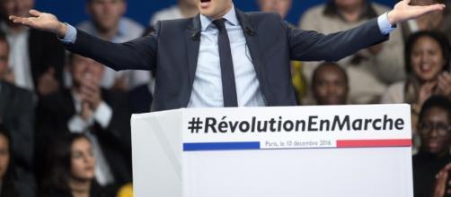 Difficile de faire de la politique autrement. Macron, comme les autres cherche les électeurs - 20minutes.fr