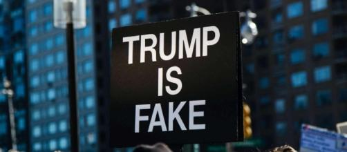La manifestazione contro Trump. Foto Ansa