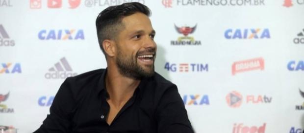 Diego falou da possibilidade de enfrentar Luis Fabiano