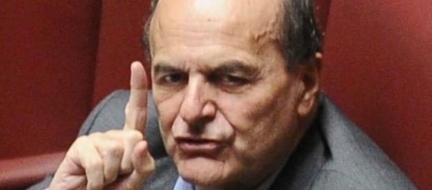 Il monito di Bersani a Renzi: addio Pd, rinasce l'Ulivo? - velvetnews.it