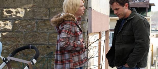 Il protagonista e la moglie nel film