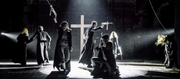 """""""Klątwa"""" w Teatrze Powszechnym. Fot. Magda Hueckel"""