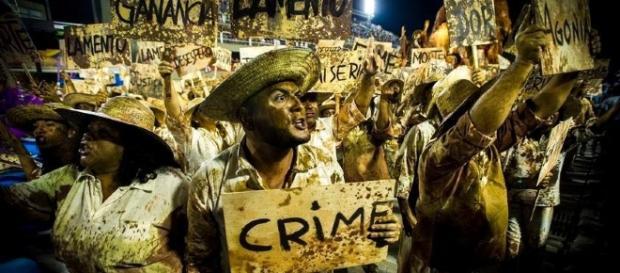 Desfile da Escola denunciou o crime ambiental ocorrido em Minas