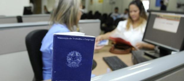 Você poderá resolver sua situação em uma agência bancária da Caixa Econômica Federal – A Tribuna RJ - com.br