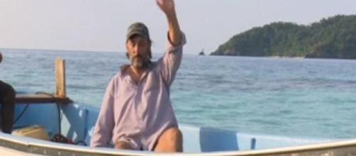 Massimo Ceccherini molla l'isola dei Famosi, troppo vecchio per proseguire