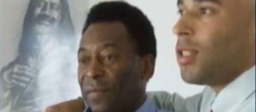 Pele and his son Edinho via Youtube, Juli Sanderes channel https://www.youtube.com/watch?v=bKnPxyCqCcU