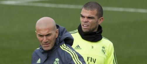 Real Madrid: Zizou prend une décision concernant Pepe
