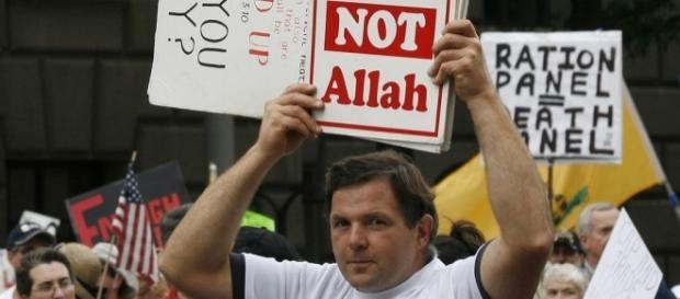 Etats-Unis : le nombre de groupes anti-musulmans a triplé en un an (image : saphirnews )