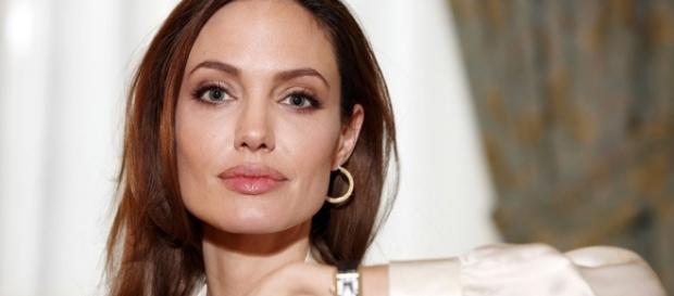 Angelina Jolie concede entrevista ao BBC News e fala sobre si. (reprodução: web)