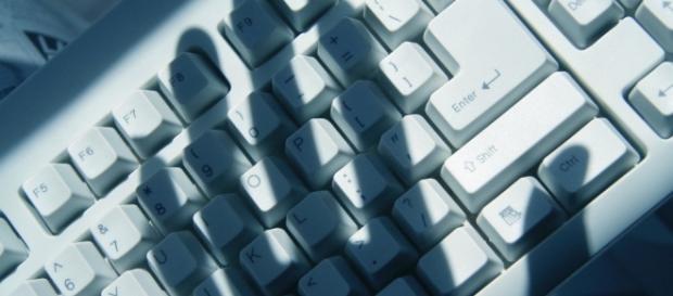 Crimes virtuais/ Google imagens