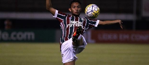 Gustavo Scarpa assinará novo contrato com o Fluminense (Foto: Nelson Perez/Divulgação FFC)