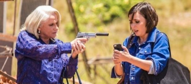 Imagem: Magnólia e Beth na novela 'A Lei do Amor'
