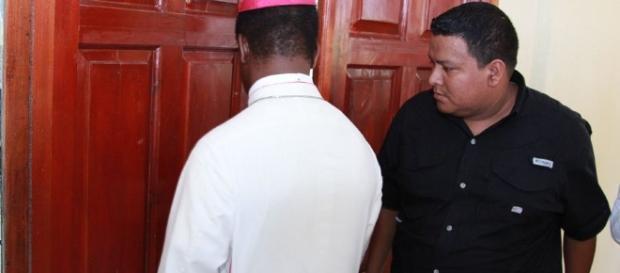 Nuncio molesto por cobertura de LA PRENSA - com.ni
