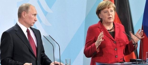Va fi Angela Merkel următoarea țintă și victimă a lui Vladimir Putin? - Foto: kremlin.ru
