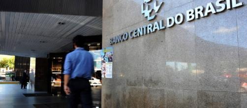 Banco Central decide cortar taxa de juros