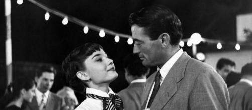 Hepburn and Peck in a scene from the movie. (William Wyler – 1953 ... - behind-the-seens.com (Taken from BN Library)