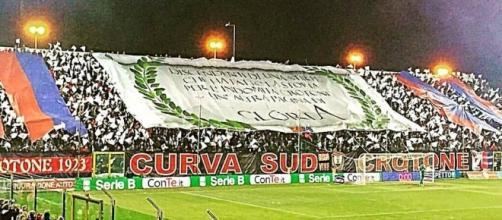 """La Curva Sud """"Giorgio Manzulli"""" - Crotone."""