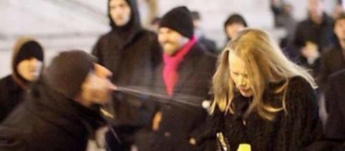 Una immagine delle violenze di Colonia: a Francoforte invece non sarebbe accaduto niente di simile.