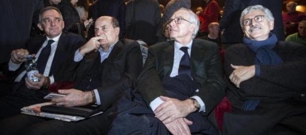 Bersani e D'Alema alle prese con il pallottoliere della nuova formazione politica di sinistra