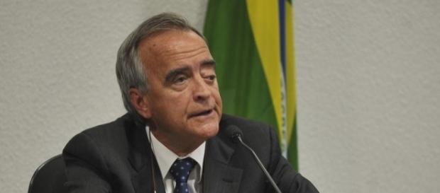 Em depoimento a Sérgio Moro, Nestor Cerveró afirmou ter recebido propina de Jorge Luz, que está sendo buscado pela PF.