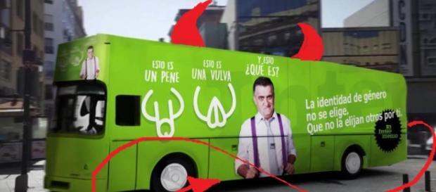 Nuevo transbus vestido de la realidad que todos ocultan