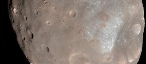 Evasive Action! NASA Spacecraft Nearly Crashes Into Martian Moon - sputniknews.com